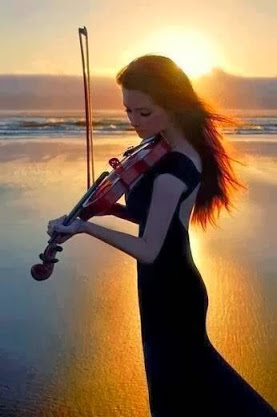 violinist on beach
