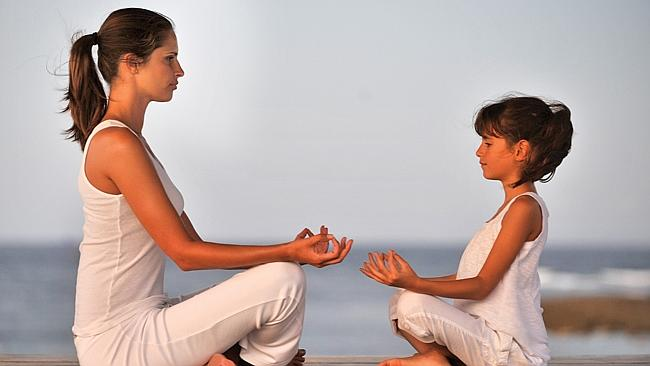 mother_daughter_meditating