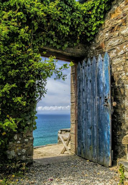 garden gateway ocean