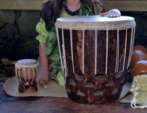 hula_drummer