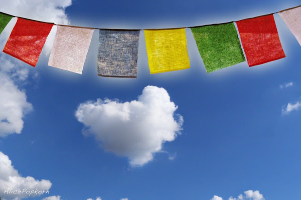 Prayers Nepal 17079488910_ddb23580e1_b