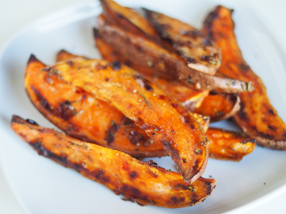 Recipe ~ Rosemary and Garlic Sweet Potato Oven Fries ...