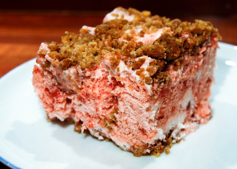 frozen-strawberry-crumble-cake