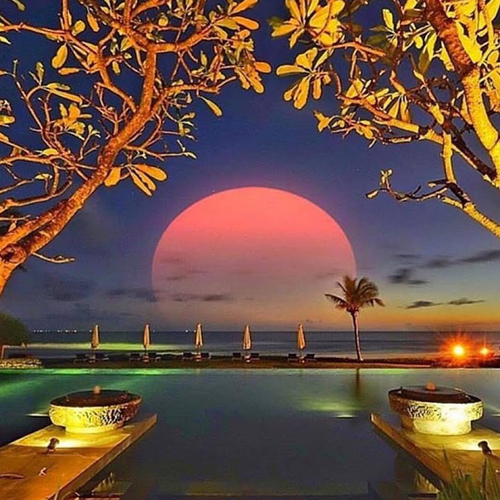 full-moon-harbor