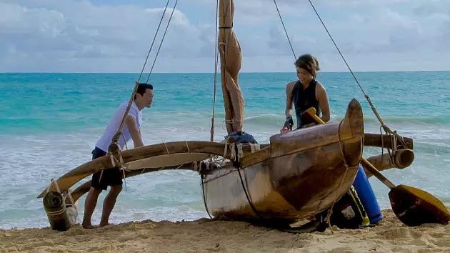 kono-and-chin-on-the-beach-hawaii-five-0