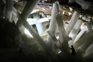 Selenite_Crystals_Cueva_de_Naica