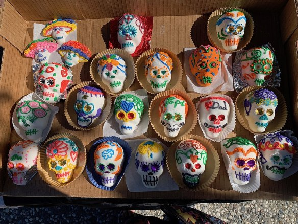 Day of the Dead Sugar Skulla (https://creativecommons.org/licenses/by-sa/4.0)]